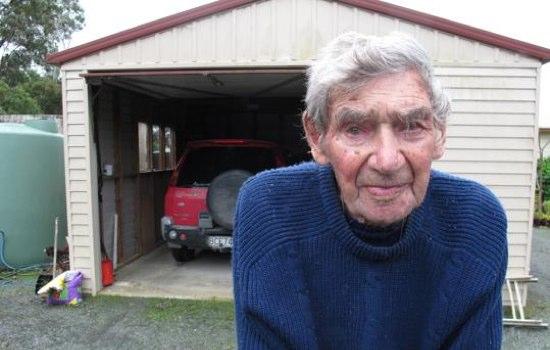 ニュージー最高齢ドライバーは105才。わしゃまだ若い。