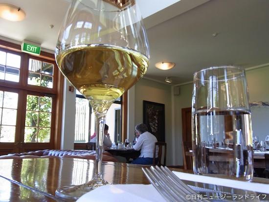 温かいサービスと冷たいワイン | ペガサス・ベイ 03