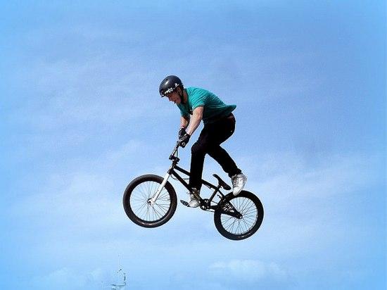 [動画] 鳥肌もの!BMXのバク転ギネス記録はNZ人