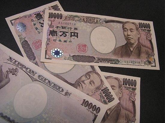 アンケート:日本に一時帰国のとき、どうやって日本にお金を持っていきますか?